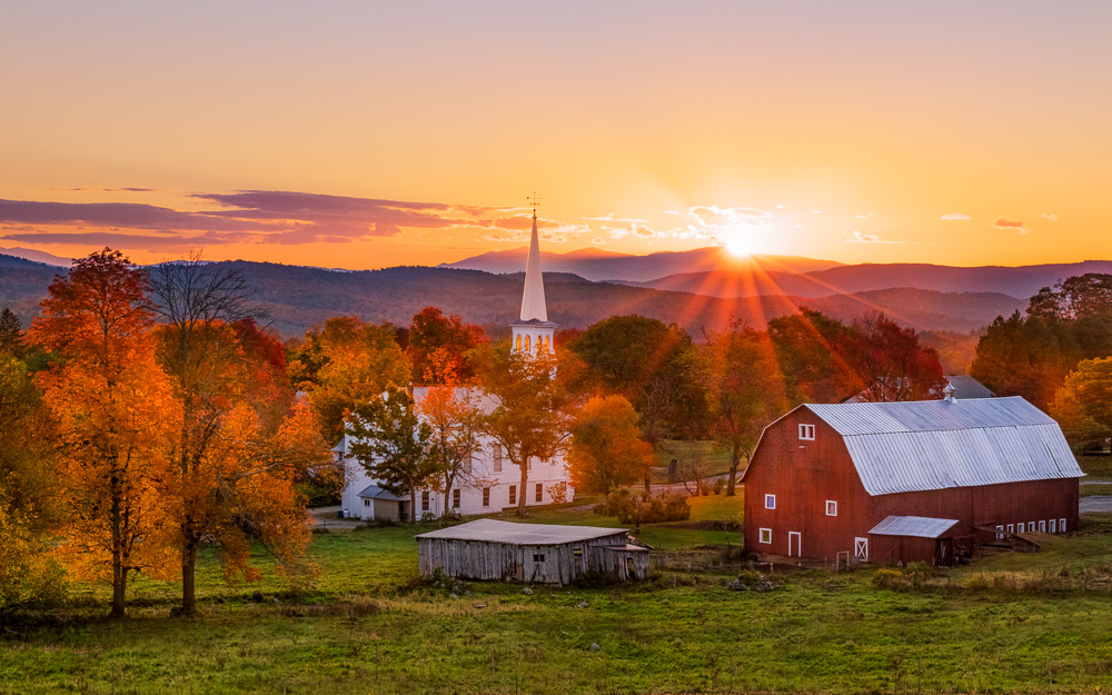Autumn-sunrise---Peacham,-Vermont.jpg