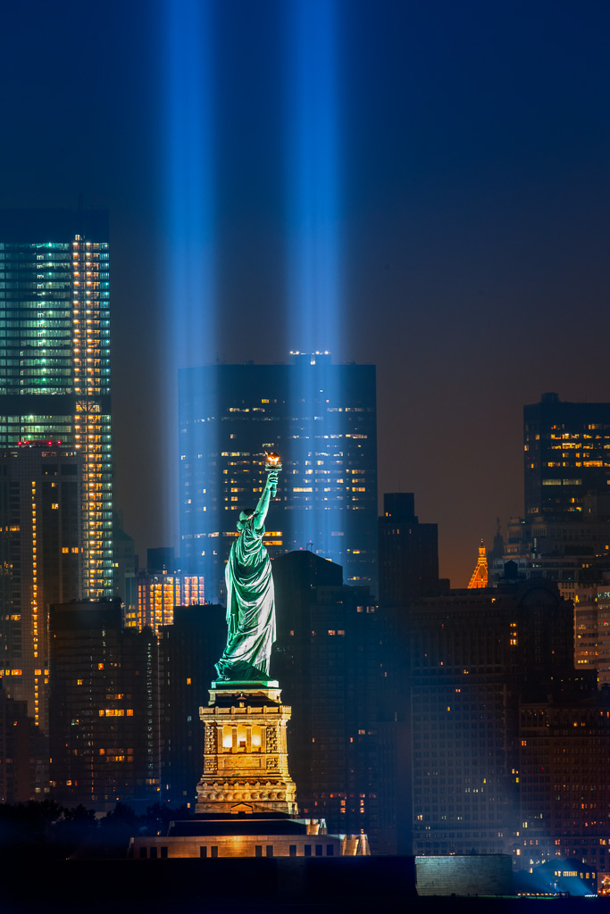 20210206-lady-liberty-tribute-in-lights.jpg